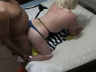 fuck HOT IR Fuck - BBC Climbs on White CD Gives Creampie bbc